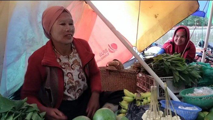 NEWSVIDEO : 'Hotel Embun' Ala Pedagang Pasar Terapung Banjarmasin, Tempat Tidur Sebelum Jualan