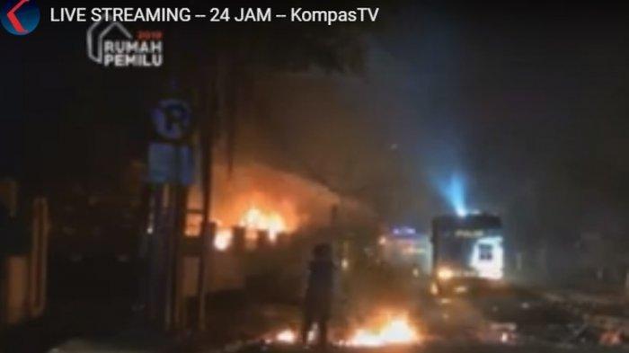 Aksi 22 Mei - Massa Sempat Rusak Asrama Brimob KS Tubun, Kendaraan Polisi Dibakar