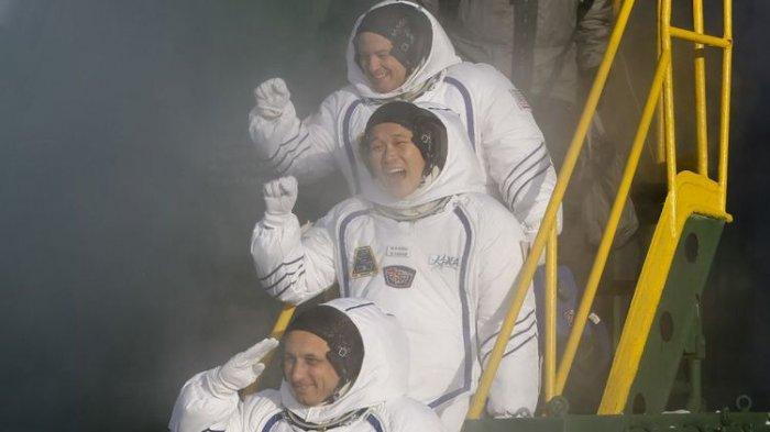 Wow Ternyata Astronot Wanita Juga Butuh Make Up, Begini Perlengkapan Kecantikan Bikinan NASA