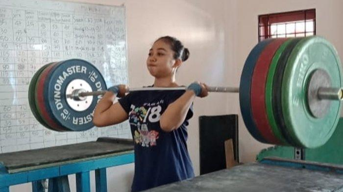 Kenal Sejak Usia 13 Tahun, Atlet Perempuan Kalsel ini Langsung Jatuh Cinta dengan Angkat Besi