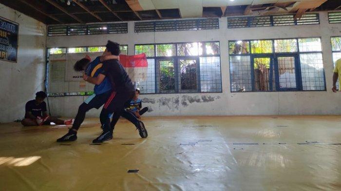 Intens Latihan, Atlet Gulat HSS Ini  Incar Medali Emas di Popda Kalsel 2021