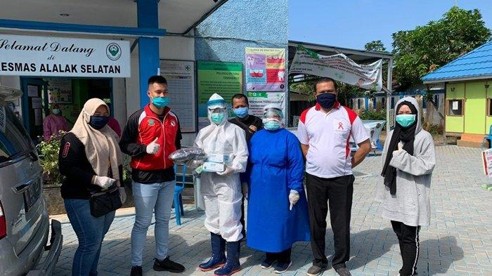 Karateka Lemkari Gemilang Keliling Kota Banjarmasin, Bagikan Masker