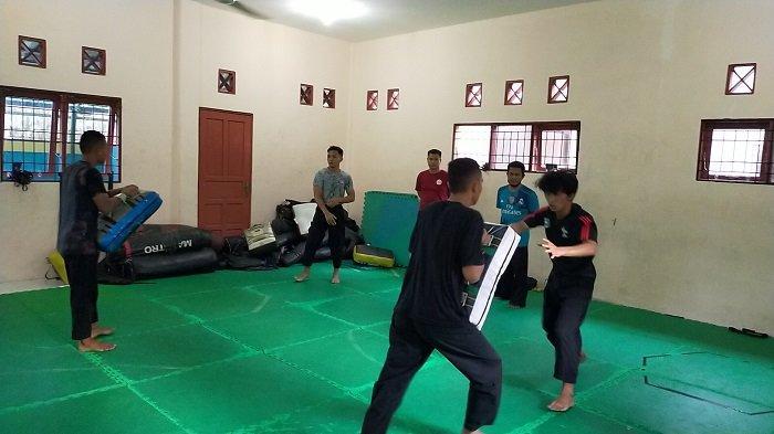 KalselPedia : Atlet Silat PON Juga Rutin Latihandi Gedung PPLP Banjarmasin