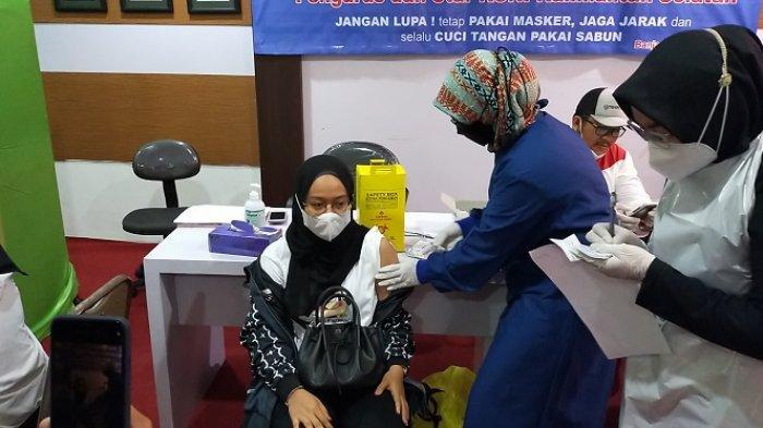 Jelang PON Papua 2021, Para Atlet Wasaka Ikuti Vaksinasi Covid-19 Dosis Pertama