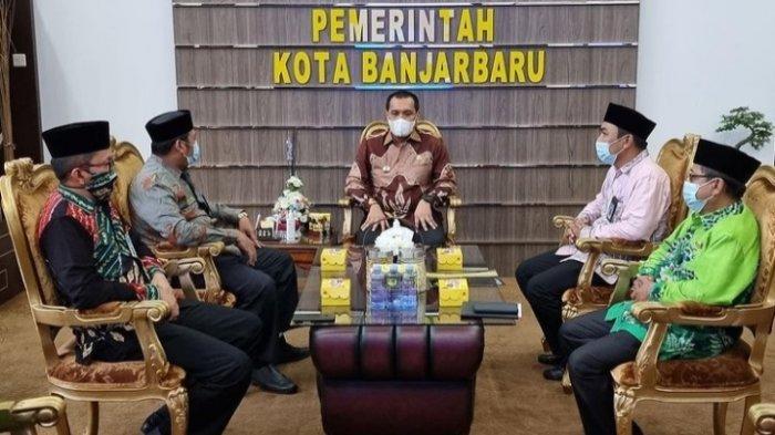Audensi dan silaturahmi  Wali Kota Banjarbaru HM Aditya Mufti Ariffin dengan Kepala Kemenag Kota Banjarbaru.