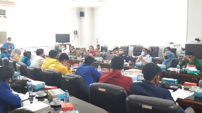 Sambangi Gedung Dewan, Forum BEM Kalsel Laporkan Pembagian Tugas Sesuai Wilayah