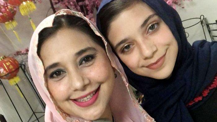 Mengintip deretan fashion hijab trendi Isabel Tramp anak Ayu Azhari yang sudah mulai beranjak dewasa