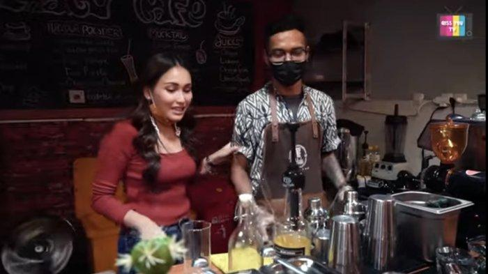 Perubahan Kondisi Kafe Ayu Ting Ting Pasca Batal Nikahi Adit, Umi Kalsum Rekam Ini
