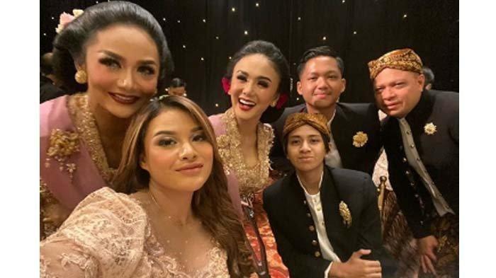 Reaksi Aurel Hermansyah Soal Postingan 'Selingkuh' Suami Krisdayanti, Malah Sebut Adik Yuni Shara