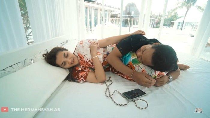 Kelakuan Azriel Peluk Tubuh Ashanty dari Belakang Terekam, Istri Anang Hermansyah: Astaghfirullah