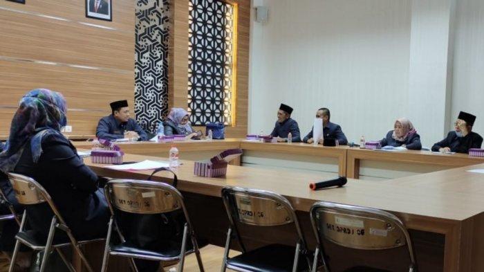 rapat bersama badan musyawarah DPRD Barito Kuala, mengenai agenda kegiatan Juli hingga Agustus 2021