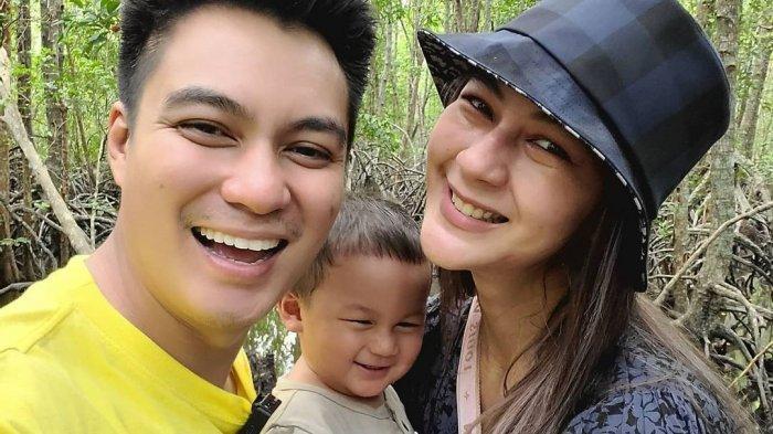 Baim Wong, Kiano Tiger Wong dan Paula Verhoeven saat liburan