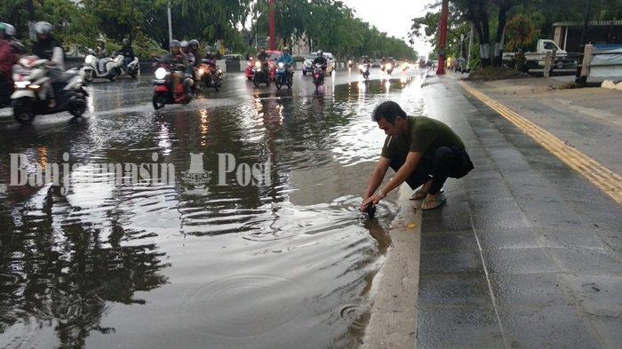 Diguyur Hujan Lebat, Sejumlah Kawasan di Kota Banjarmasin Digenangi Air, Ini Penyebabnya
