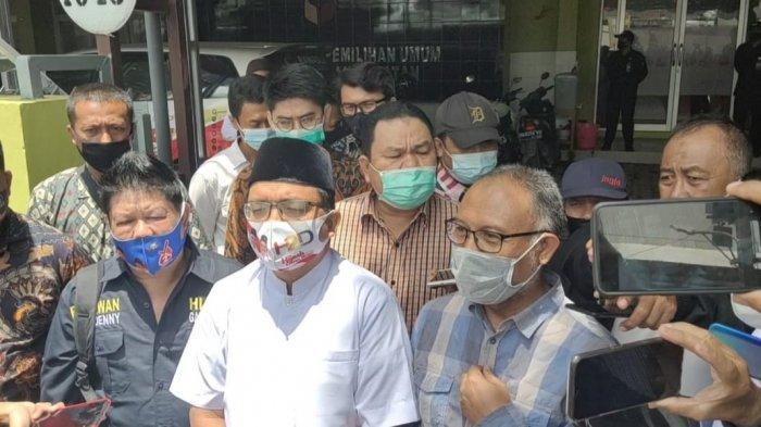 Mantan Wakil Ketua KPK, Bambang Widjojanto Melaporkan Dugaan Pelanggaran Pilkada Kalsel 2020