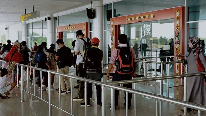 Penumpang Pesawat Bandara Tjilik Riwut Palangkaraya Kalteng Wajib Aplikasi Peduli Lindungi