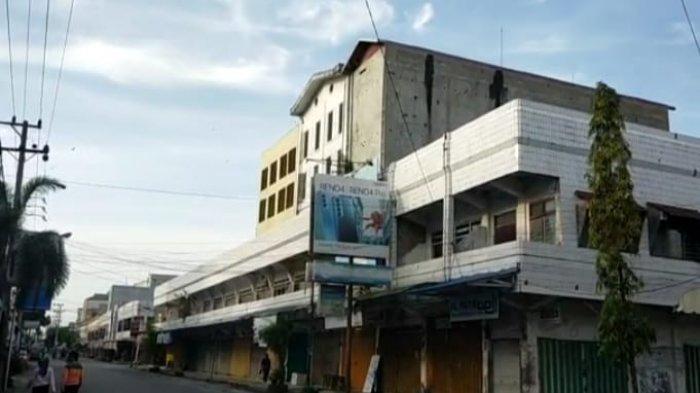 Kawasan Pertokoan Pasar Sampit Kalteng Banyak Bermunculan Bangunan Sarang Burung Walet