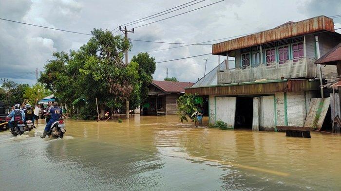 Warga Bangkal Kecamatan Cempaka Waspada Banjir Kembali Naik