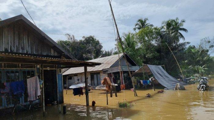Banjir Kalsel, Banjir di Kecamatan Kusan Hulu Berangsur Surut, Camat Bagikan Sembako