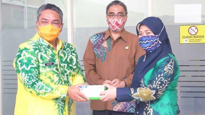 Bank Kalsel Donasikan 10.000 Masker untuk Kota Banjarbaru