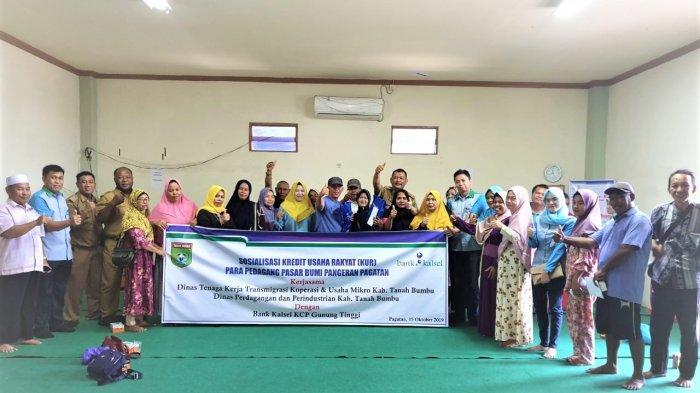 Bank Kalsel KCP Gunung Tinggi Gelar Program Pasar Mikro di Wilayah Pagatan Kusan Hilir