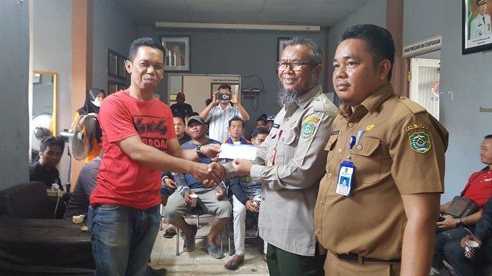Terlibat Tangani Karhutla, BPK Swasta di Tapin Dapat Bantuan Dana Operasional