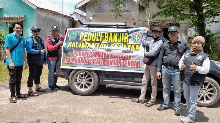 Peduli Banjir Kalsel, PGRI Kecamatan Bataguh Kapuas Salurkan Bantuan Logistik
