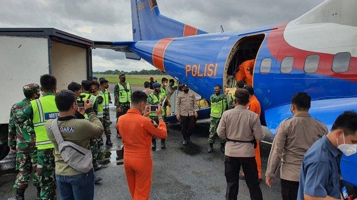 Banjir di Kalsel 2021, Pesawat Polri Angkut Bantuan dari OASE KIM, Bhayangkari dan YKB