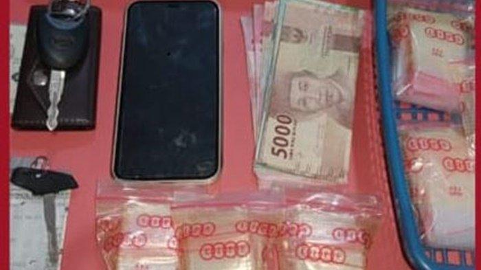 Narkoba Kalsel : Dua Pengendar Sabu di HST Diciduk di Rumah, Satnarkoba Sita Puluhan Juta Rupiah