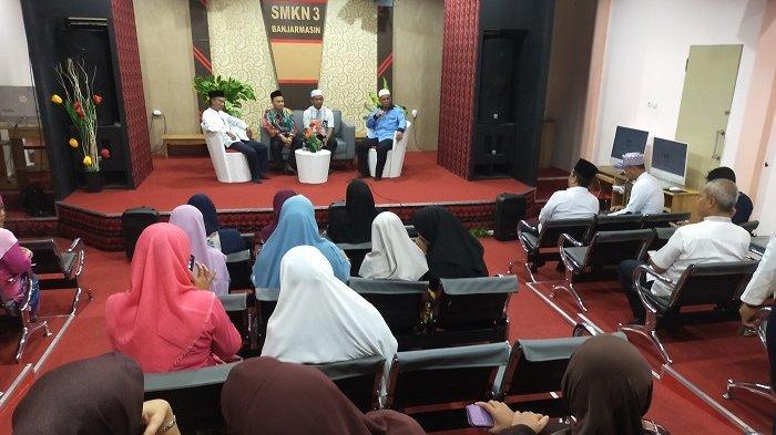 Baznas Kalsel Sosialiasi ZIS di SMKN 3 Banjarmasin, Zakat Media Pembersih dan Berkah