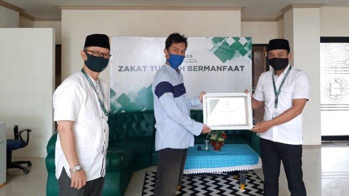 Peduli Masyarakat Terdampak Covid-19, Shafwah Royal Property Serahkan Donasi ke Baznas Kalsel