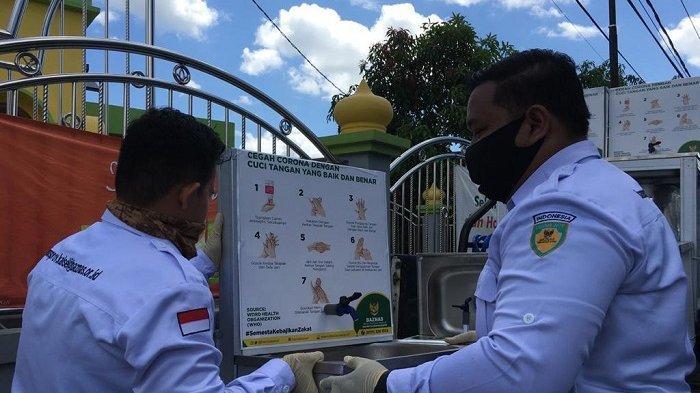 Baznas Kalsel Bagikan Wastapel untuk Sejumlah Masjid di Banjarmasin
