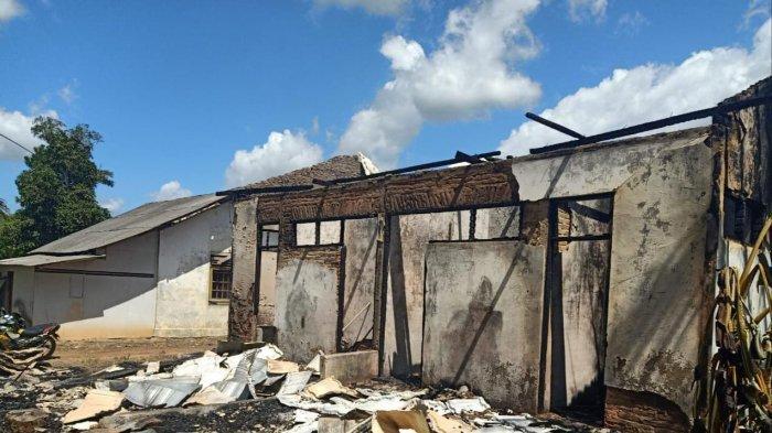 Kebakaran di Tanahlaut, Buku Perpustakaan dan Bangku Murid SDN Asamasam 7 Hangus Terbakar