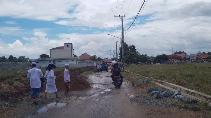 Kerusakan Jalan Menuju Ponpes Ternama di Matah Kabupaten Tanahlaut Dipastikan Ditangani Tahun ini