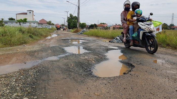 Jalan Menuju Ponpes Ternama di Matah Rusak, Wakil Rakyat Tala Tegaskan Siap Bantu