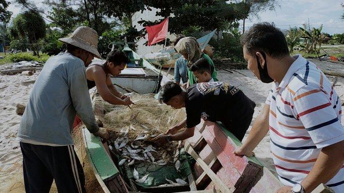 Nelayan Ujung Pandaran Senang Ada Kegiatan Akbar, Jualan Ikan Hasil Tangkapan Jadi Laris Manis
