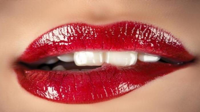 Bikin Bibir Lembab dan Merona Bak Bibir Bayi, Salah Satu Khasiat Madu Dambaan Wanita, Begini Caranya
