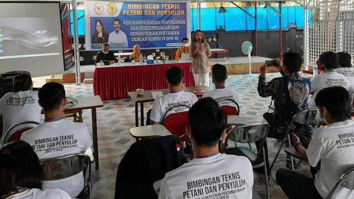 Anggota Komisi IV DPR RI Dukung Petani Milenial
