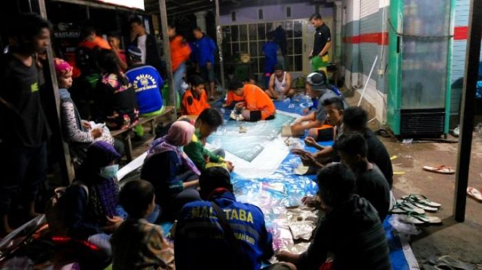 BPK PMK Gabungan Kertak Hanyar, Kabupaten Banjar, menyemarakkan sahur malam ke-21 (selikur) di Kertak Hanyar, Minggu (26/6) dinihari.