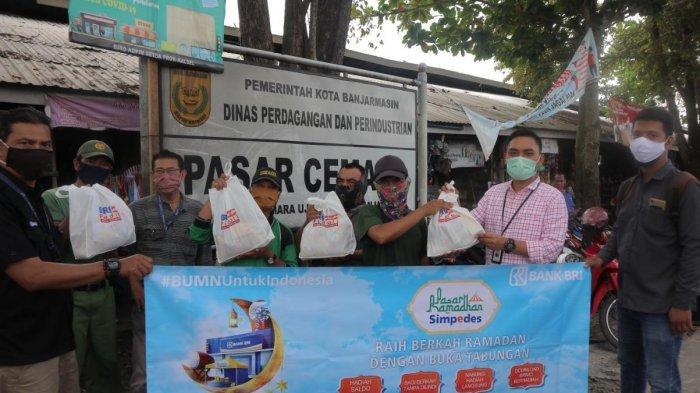 BRI Pasar Ramadhan Simpedes, Bagi Voucher Belanja, Sembako dan Takjil di 3 Pasar Banjarmasin