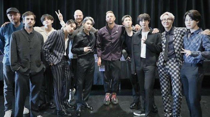 Enjoy Kolaborasi Dengan BTS, Vokalis Coldplay Chris Martin Pun Mulai Belajar Bahasa Korea