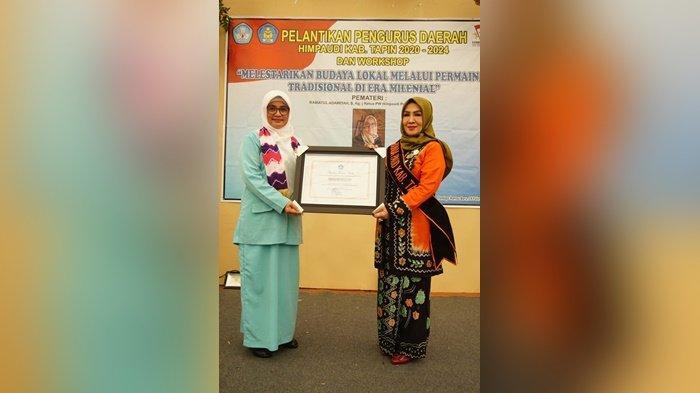 Bunda PAUD Kabupaten Tapin Dapat PinP erak dan Penghargaan Kemendikbud