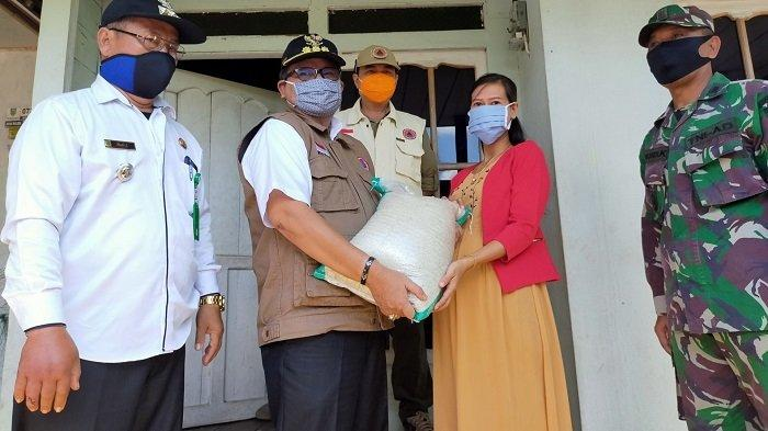 Dampak Covid-19, Pemkab Balangan Salurkan Bantuan Ratusan Paket Sembako