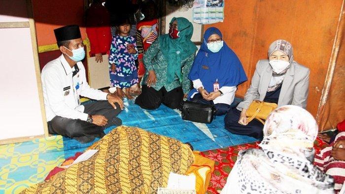 Musa Penderita Tumor di Kabupaten Batola Meninggal, Bupati Serahkan Bantuan