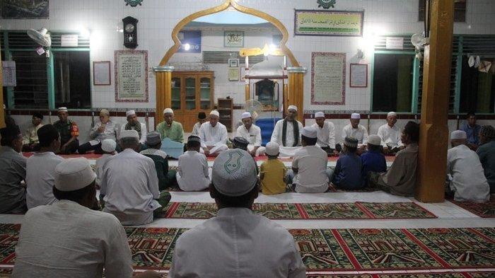Pekan ke-173, Bupati dan Wabup HST Subuh Keliling di Masjid Al Mustagfirin, Sampaikan Pesan Ini