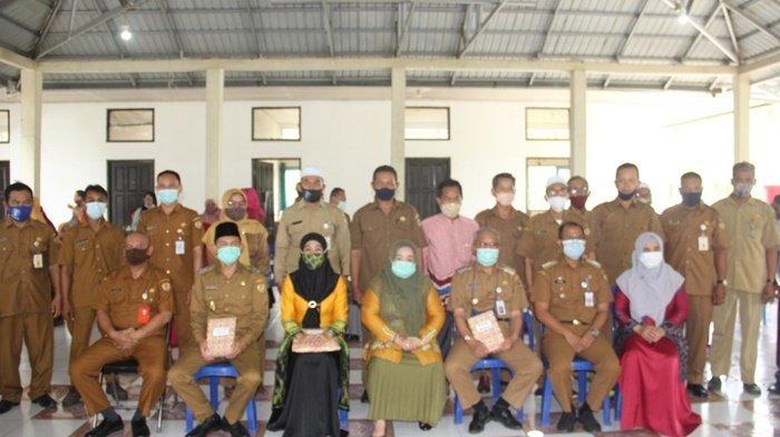 Bupati dan Wakil Bupati HST Pamit di Kecamatan Batang Alai Utara