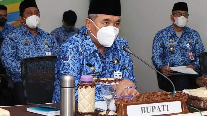 Bupati HSS H Achmad Fikry Pimpin Rapat Pembahasan Penggunaan Dana Desa