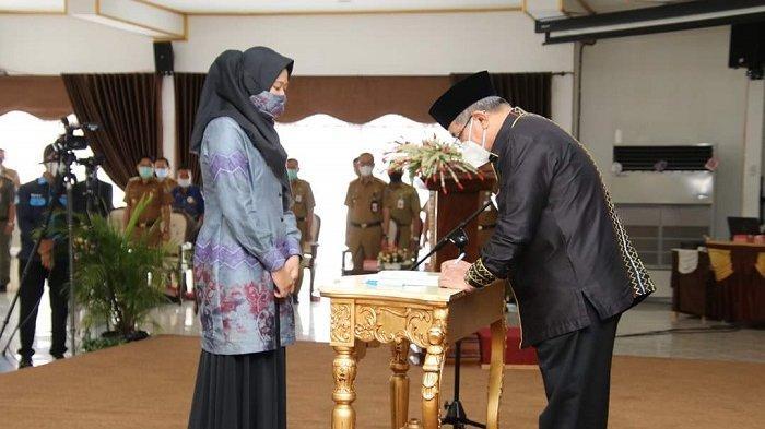 Bupati H Achmad Fikry Ambil Sumpah 810 Anggota BPD se-HSS
