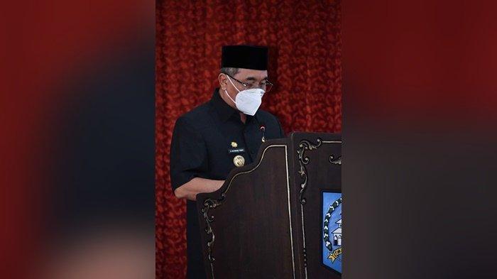 Ajukan Rancangan Perubahan KUA-PPAS, Bupati HSS Jelaskan Keuangan Daerah ke DPRD