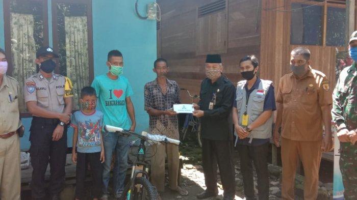 Bupati Hulu Sungai Tengah dan Yayasan Sahabat Berbagi Peduli Yatim dan Duafa