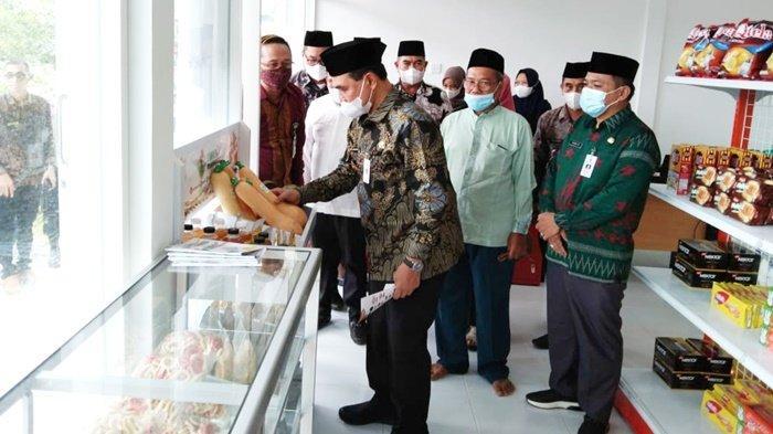 Warga Dimudahkan dengan Kehadiran BUMDes Mart di Desa Wonorejo Kabupaten Tanbu